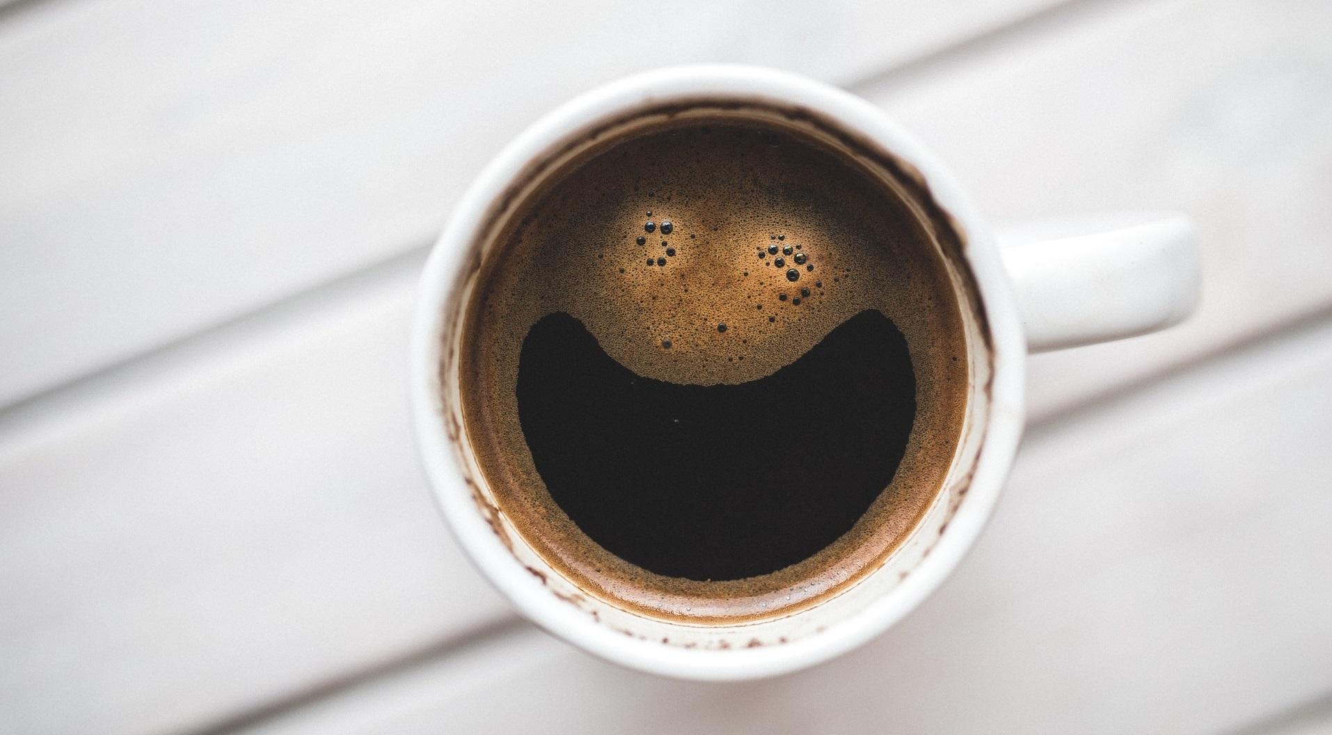 Kopičenje dokazov o vlogi kofeina pri zmanjševanju maščobnih zalog