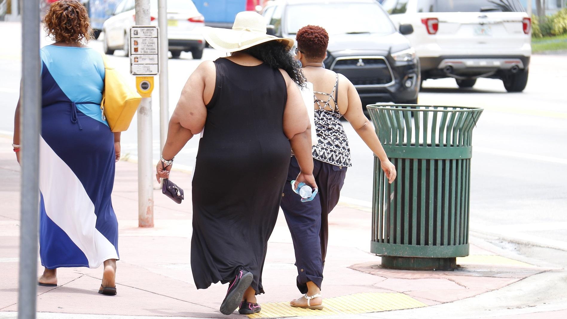 Že izguba nekaj kg telesne teže skoraj prepolovi tveganje za sladkorno bolezen