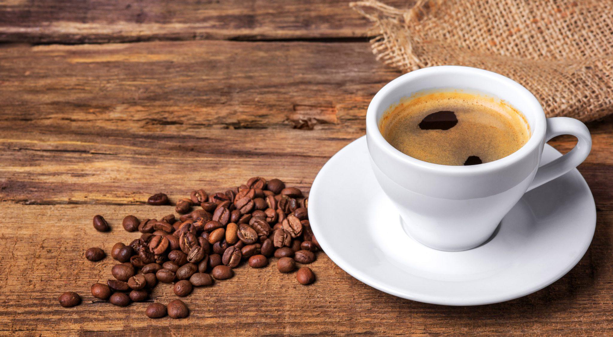 Dolgotrajno uživanje večjih količin kave je tveganje za kardiovaskularna obolenja